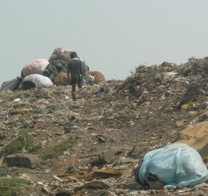Mountains of garbage in Mumbai